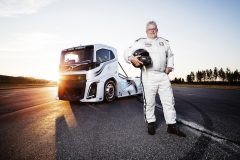 'Iron Knight' Volvo smashes two world speed records